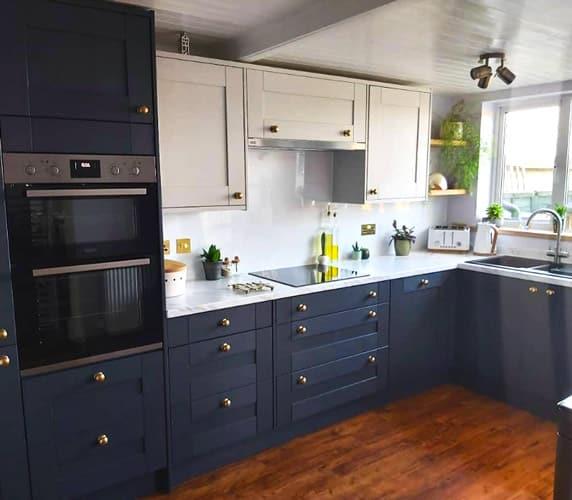 Kitchen project with Alusplash Ice white splashback - Wickes